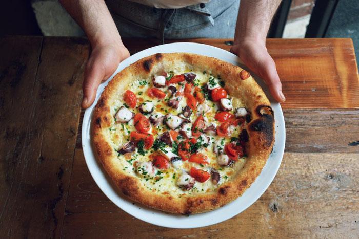 pizza con pesce
